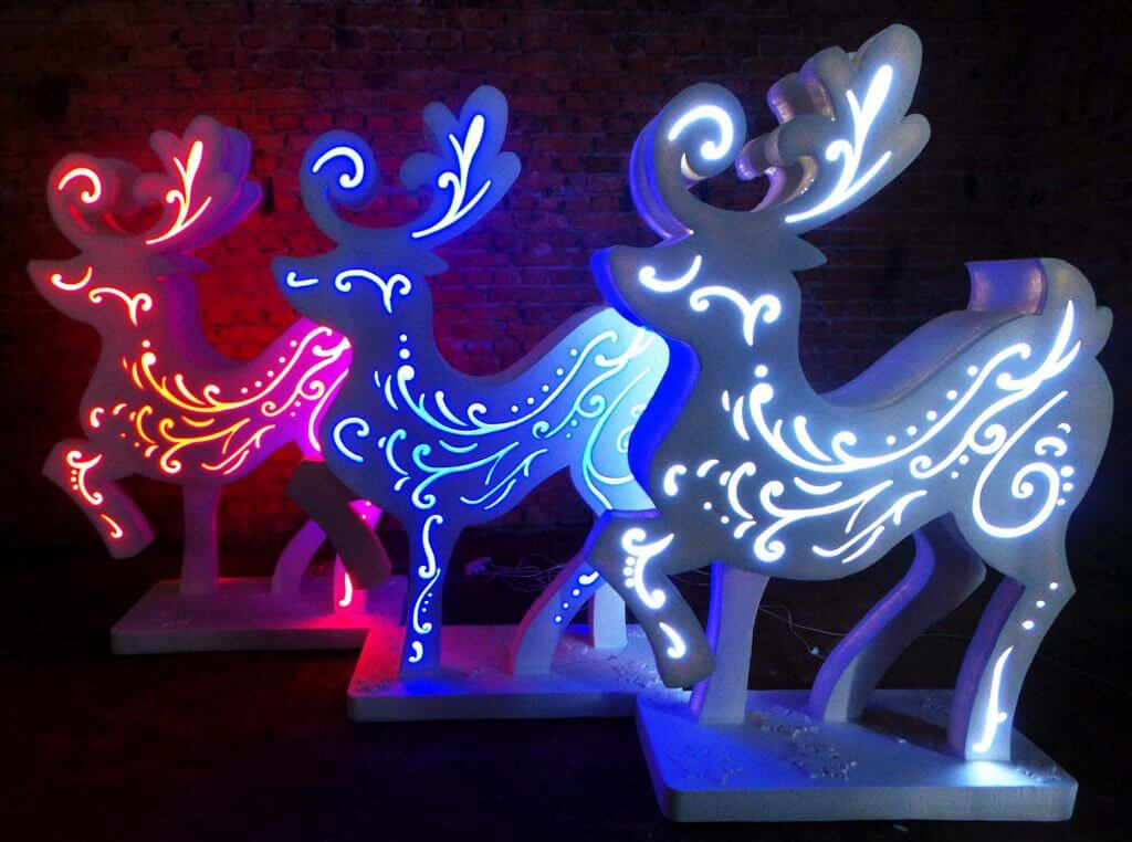 светящиеся олени на новый год