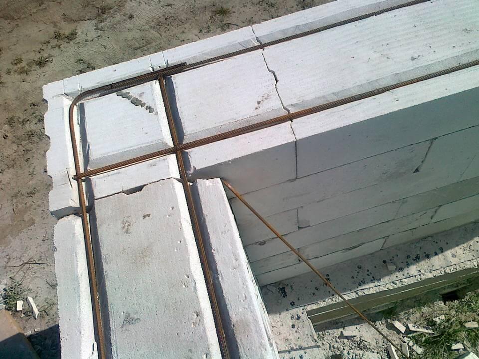 армирование стен из пеноблока