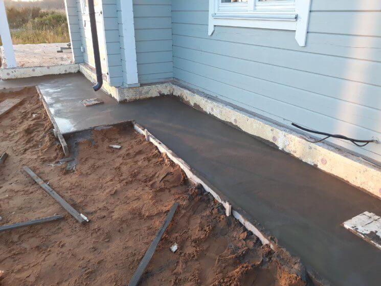 заливка бетона отмостки